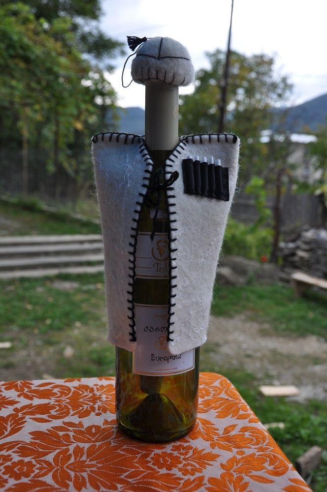 how to make a wine bottle costume